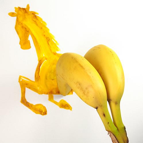 niemann-banana-horse